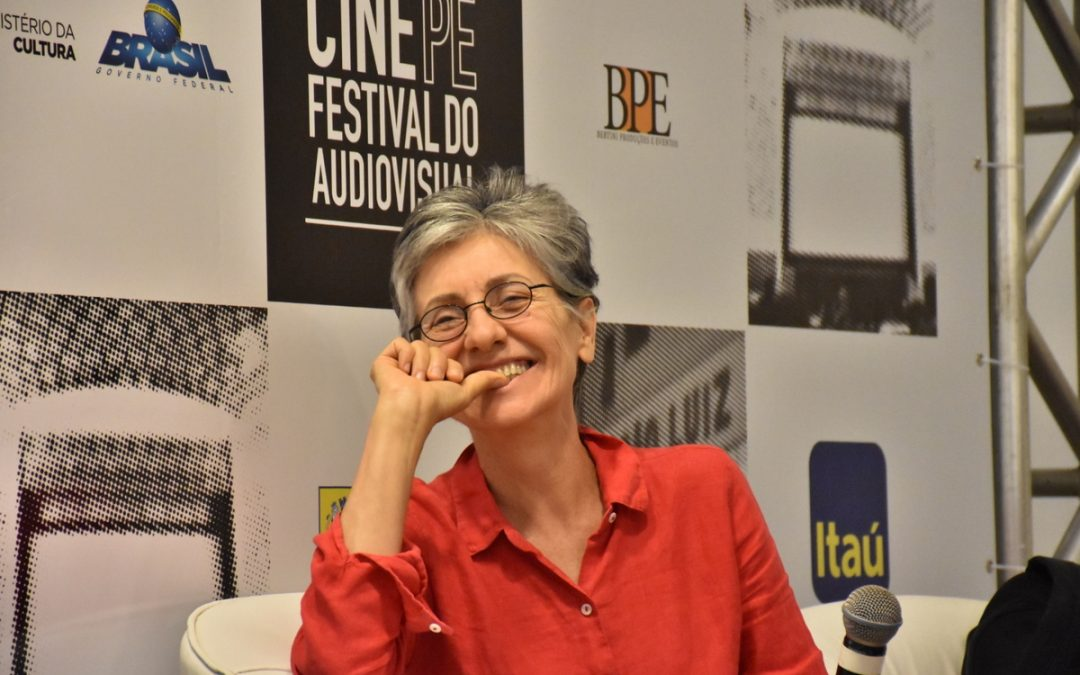 Em coletiva do Cine PE, Cássia Kis dá uma aula sobre o cinema e a vida
