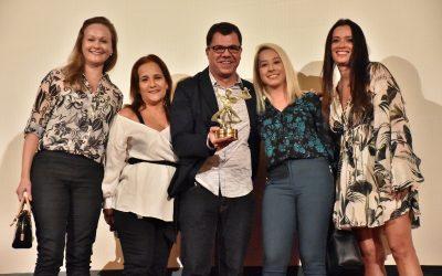 """""""Eu acredito no empreendedorismo cultural"""", diz Sandra Bertini na 4ª noite do Cine PE"""